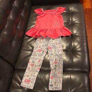 Girl's Juicy Couture outfit, EUC, size 6.